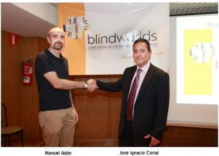 Manuel Adán, diseñador de Arcovía digital y José Ignacio Corral se dan la mano